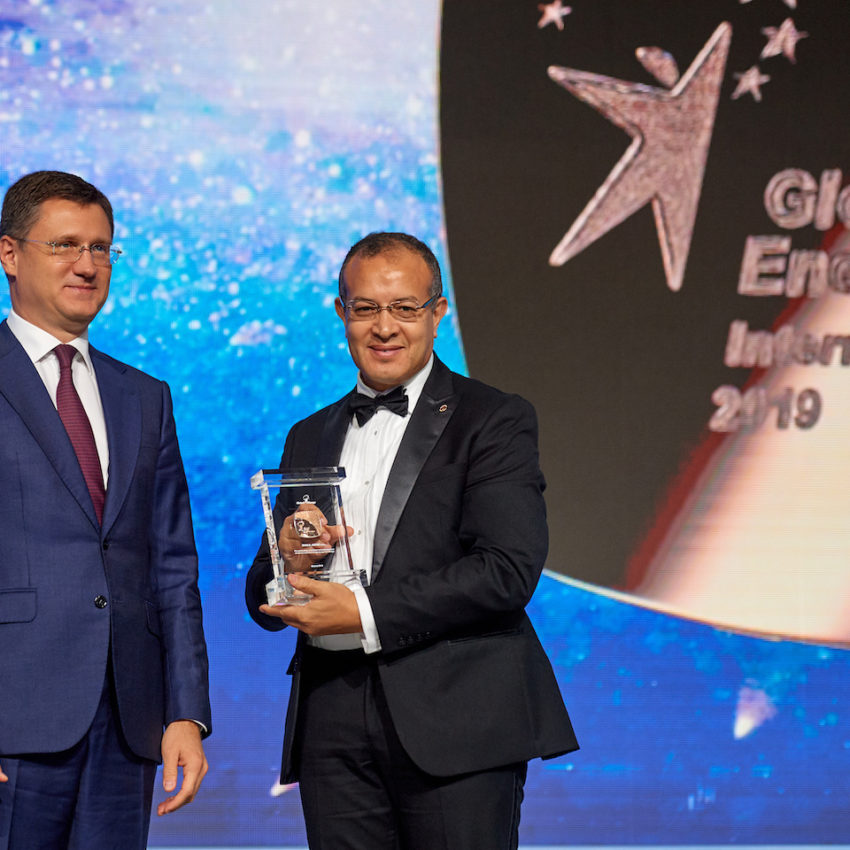 Russian Minister of Energy Alexander Novak and U.S. Laureate Khalil Amine. Source: The Global Energy Association
